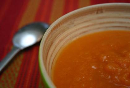Soupe de carottes et huile de noix de coco